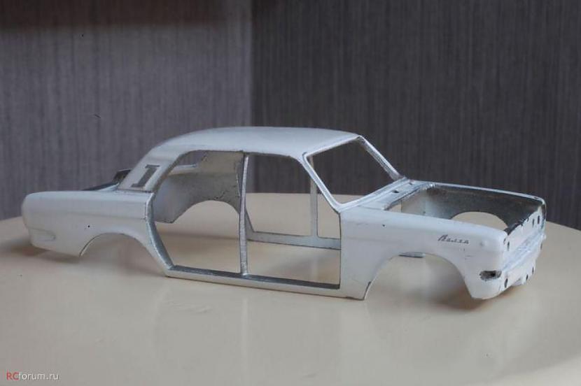 """Autors: jumpduckfuckup GAZ-24 """"Volga"""" modelītis."""