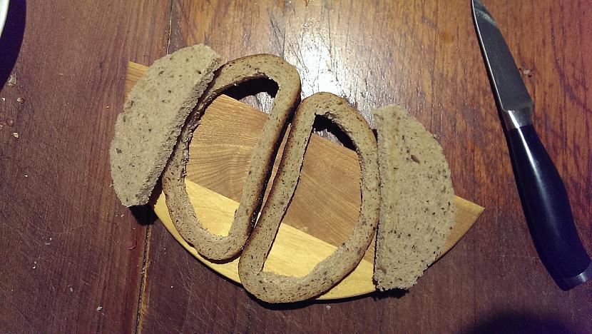 Uzscaronķēržam viņas izgriežot... Autors: Hindenburg Nāves maizes brokastīm (vai vakariņām, vai pusdienām)