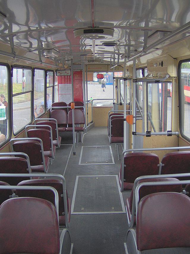 SALONA... Autors: Fosilija Trolejbuss Škoda 14Tr