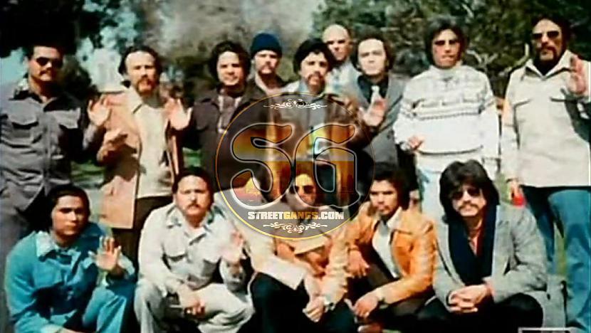 La eMe Bandu izveidoja... Autors: Edgarinshs Bīstamākās bandas pasaulē TOP10