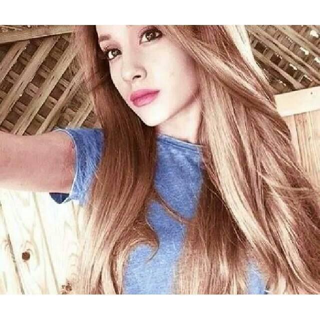 Ariana nekad nav smēķejusi un... Autors: Slimiķe Ariana Grandee Faktiņi! :)