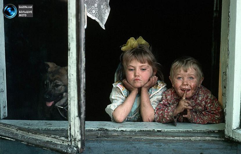 80 gadu bērni PSRS laikos... Autors: ghost07 Dzīve padomju savienībā (17 unikālas, krāsainas fotogrāfijas)