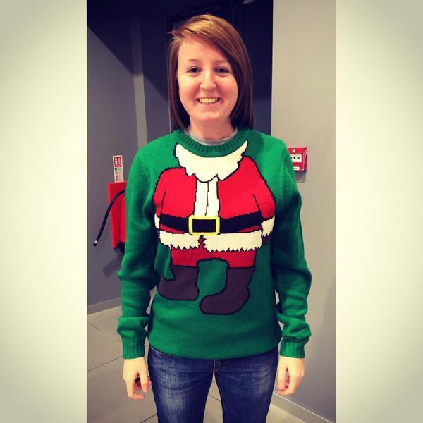 Inčīgs džemperis mugurā Autors: Niknā mirāža Kas spēj radīt Ziemassvētku noskaņojumu?