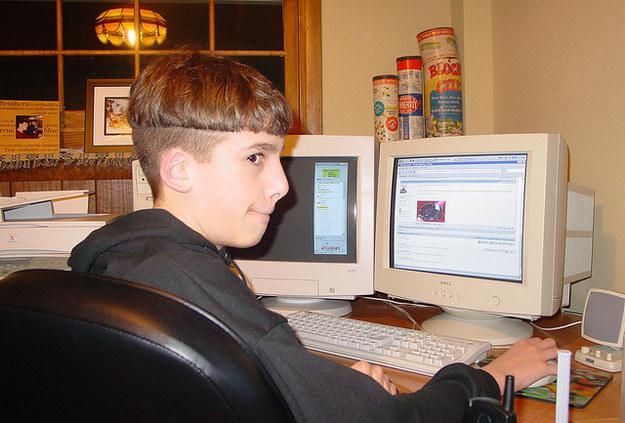 Vai pat sliktāk dators atradās... Autors: BodyBoard 90-to problēmas ar datoru!