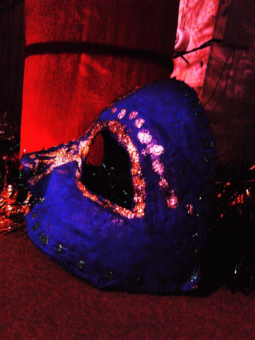 Autors: Niknā mirāža Maska karnevālam