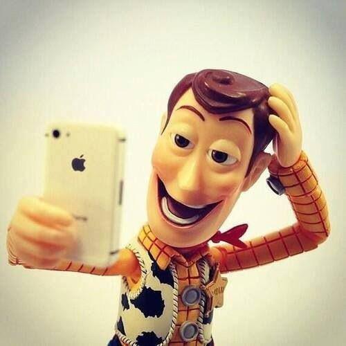 1 Selfijs ir pascaronportrets... Autors: Darktale 10 iespējams nedzirdēti fakti par selfijiem