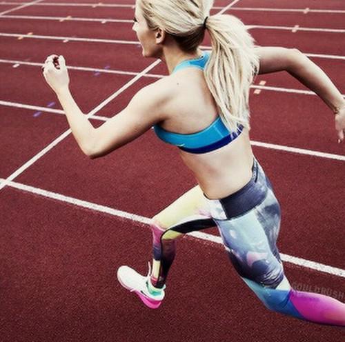 Viņa ir Nike run women ikdienā... Autors: mazaisbecis12 Ellie Goulding