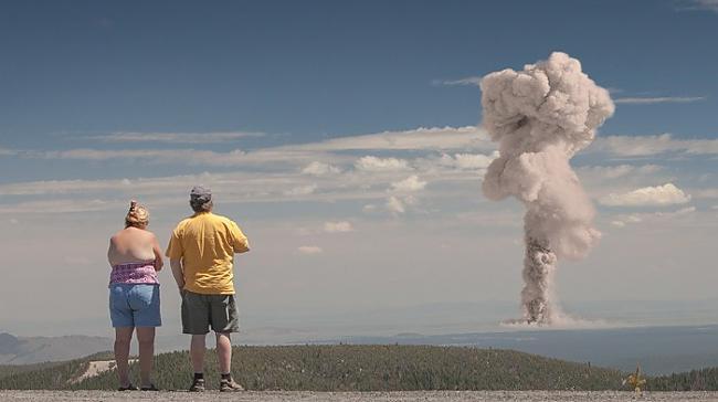 10 gadu garumā laika posmā no... Autors: Prāta Darbnīca Ballītes, kas notika uz atombumbu sprādziena fona