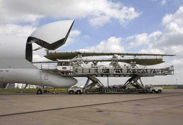 nbsp nbspAttēlā redzams kā... Autors: Mao Meow Airbus Beluga - lidmašīnu pasaules valis