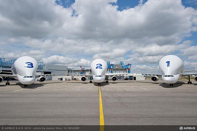 nbsp nbspKopā Airbus ir... Autors: Mao Meow Airbus Beluga - lidmašīnu pasaules valis