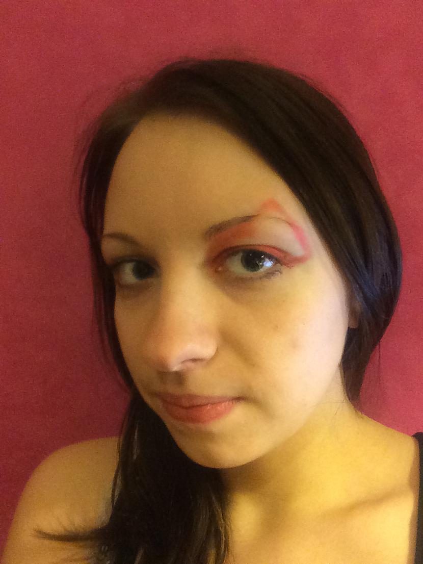 """3 Jāuzzīmē ar ēnām arbūza... Autors: MazAa888 Neparasts vasarīgs make-up """"watermelon"""""""