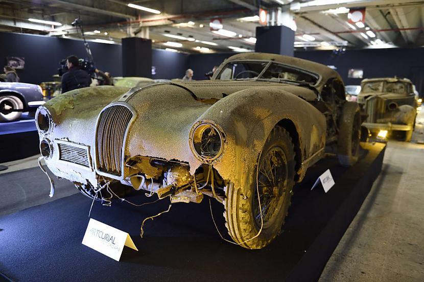 Talbot Lago T26 Grand Sport... Autors: the english Par miljoniem tiks izsolīti pamestā Francijas šķūnī atrastie retro auto.