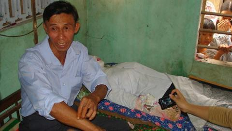 Le Vans no Quang Nam provinces... Autors: kaķūns Vīrietis guļ ar sievas līķi