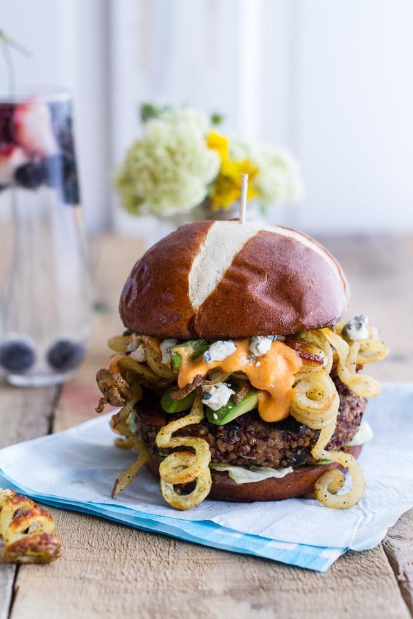 Cepta bifeļa zilā siera un... Autors: kasītis no simpsoniem D Mājas hamburgeri vasarai!