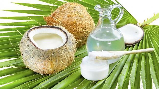 Kokosriekstu eļļa Eļļa ir ļoti... Autors: Šķiedra 5 ēdamās lietas, kuras, iespējams, glābj tavu dzīvību [Otrā daļa]