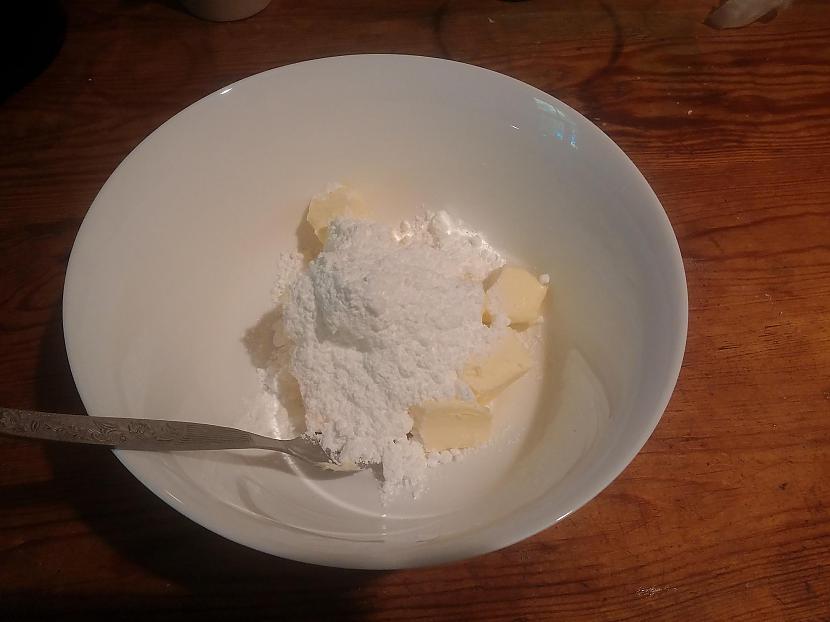 Bļodā ieliekam sviestu un... Autors: Fosilija Spoki iznāca no manas virtuves krāsns!