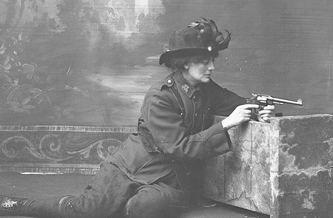 Constance MarkieviczGrāfiene... Autors: Raziels Skaistās, drosmīgās un varonīgās sievietes karā