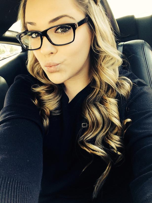 Autors: ProudBe Meitenes ar brillēm! 5 :)