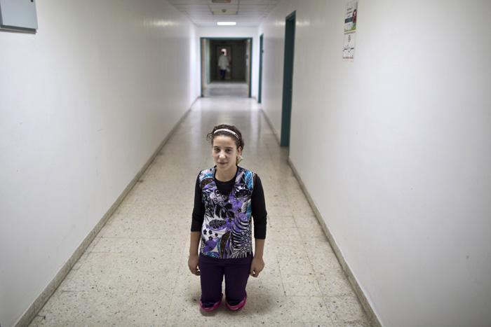 Salama 14 gadīgā meitene... Autors: Lords Lanselots Kas liek Sīriešiem bēgt uz Eiropu???
