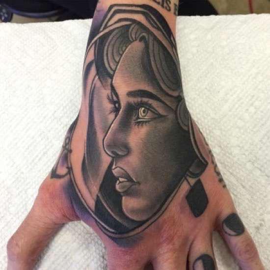 Autors: Jeffbarby Tetovētie 16