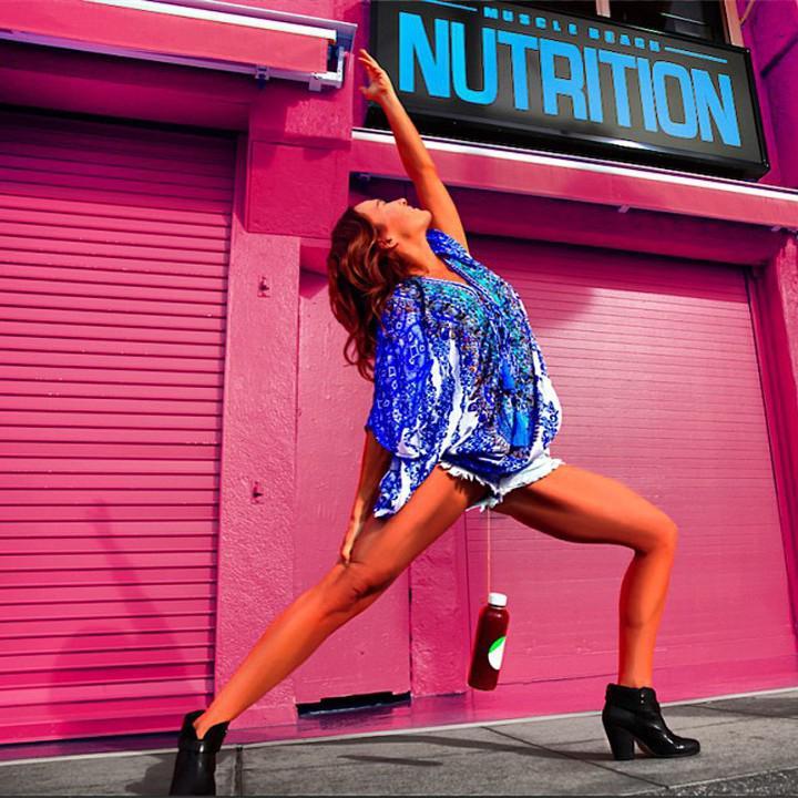 Autors: raiviiops Kā šī sieviete trenē vāverīti
