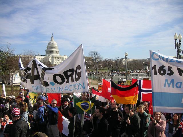 Par ko cīnās Avaaz Par... Autors: Antons Austriņš Tautas balss Avaaz