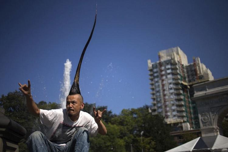 Garākā matu grebeneScarono... Autors: Tavs kolēģis Dīvaini pasaules rekordi! Skaļākais krāniņš pasaulē!