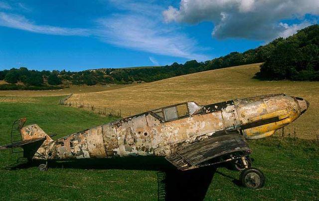 Pilots saviem spēkiem izkļuva... Autors: DamnRiga WWII Pamesti, avarējuši, atrasti lidmašīnu vraki.