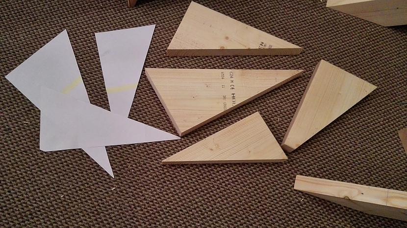 Izgatavoju scaronablonus un... Autors: I Like to Make Stuff Kā uztaisīt kāpnes 2. daļa