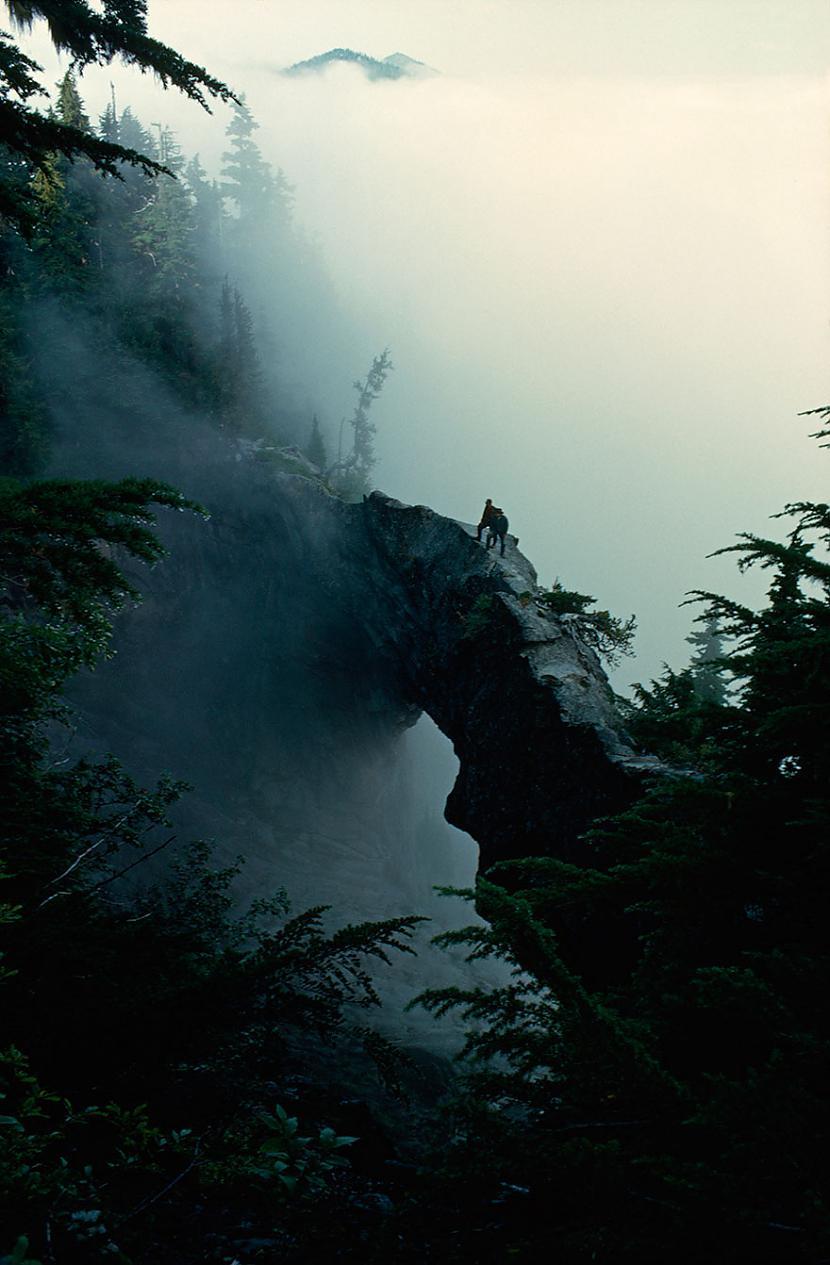 Tūristi rāpjas klintī 1963 Autors: me guusta 16 agrāk nepublicēti foto no National Geographic arhīviem,kas aizraus elpu!