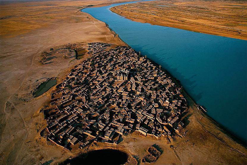 Ciems Nigēras upes krastā Mali... Autors: Liver Skaistāko pasaules ciemu fotogrāfijas