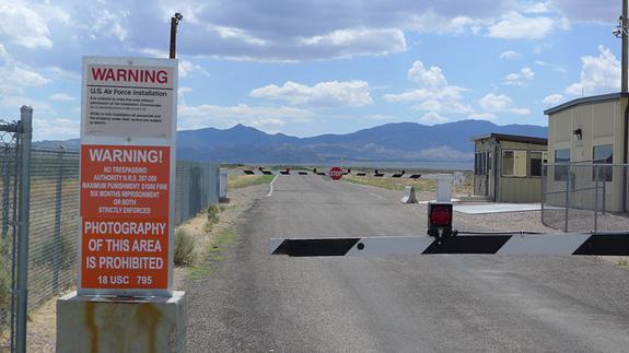 Area 51Nezinu kā jums bet man... Autors: Agresīvais hakeris 7 apsargātākās vietas pasaulē! 2