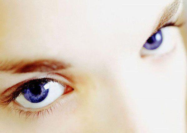 Cilvēki kam ir zilas acis ir... Autors: Spoks no2 Faktiņi par mums-cilvēkiem 2