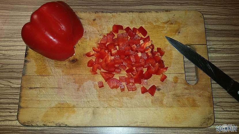 Nelielos gabaliņos sagriežam... Autors: minckis Makaronu salāti