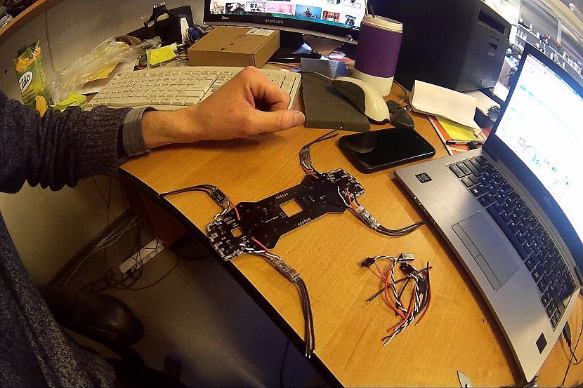 Te sagarināju vadus ātruma... Autors: jackfrost@speles Atpakošana/ hobijs/ DIY/ FPV/Drone.......