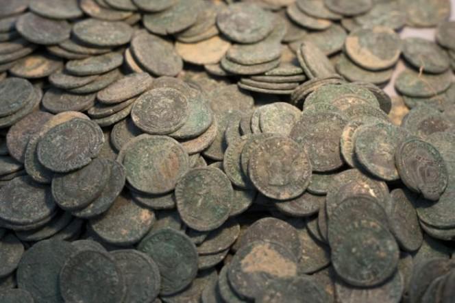 Imperators Maximiāns un... Autors: rukšukskrienam Celtnieki netīšām atrada šādus podus pazemē