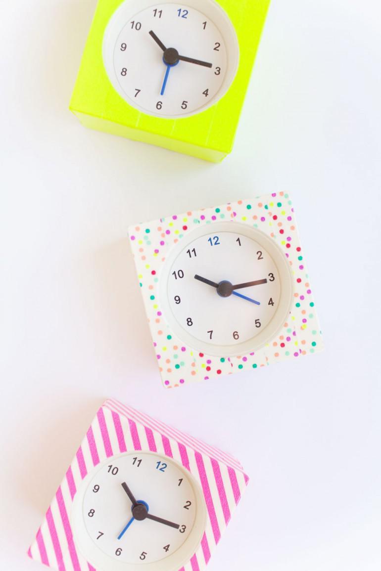 Aplīmē parastu pulksteni ar... Autors: 100 A 24 paštaisītu dāvanu idejas. Skaisti un ātri!