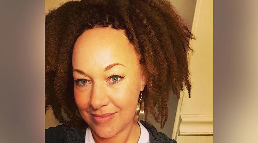 Problēmas nesākāsnbsptāpēc ka... Autors: matilde Baltā sieviete, kura pieskaita sevi pie tumšādainajiem, pieprasa izmaiņas!