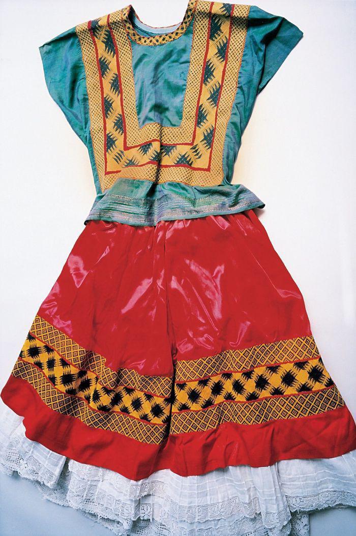Tradicionālā Tehuana kleita18... Autors: 100 A Noslēptā Frīdas Kalo garderobe, kuru atvēra pēc teju 50 gadiem!