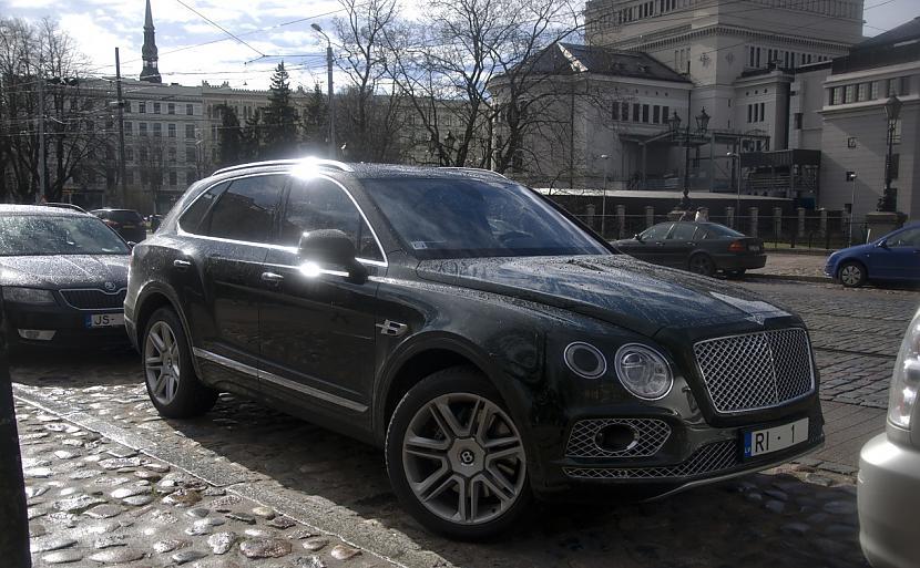 Bentley Bentayga Autors: LGPZLV Dārgas mašīnas uz Latvijas ceļiem. 2017 #3