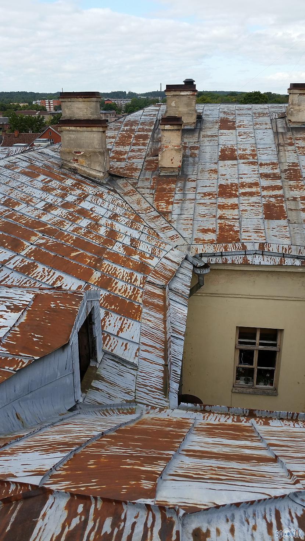 Lūkas nebija uz jumta var tikt... Autors: pyrathe Kuldīga: pastaiga pa arodskolas jumtu