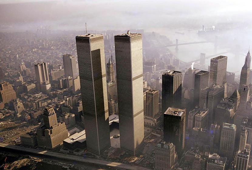 1973gadā pabeigtie Pasaules... Autors: Plane Crash central Pirmais uzbrukums PTC dvīņu torņiem