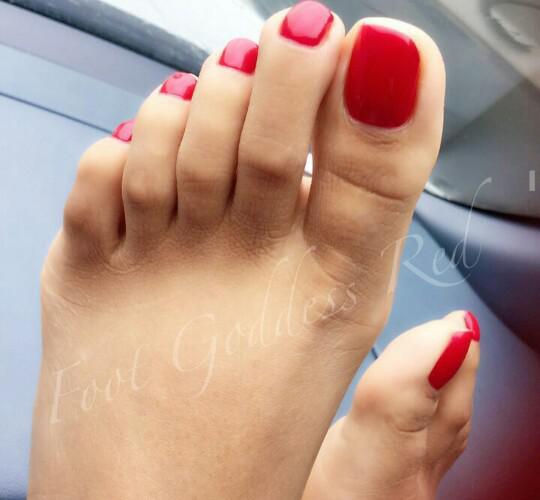 Autors: Fosilija Kāds ir Jūsu viedoklis par pēdu fetišu (foot fetish)?