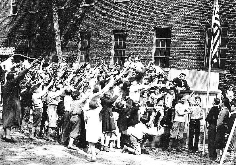 Autors: Lestets Kā amerikāņu bērni agrāk salutēja karogam?