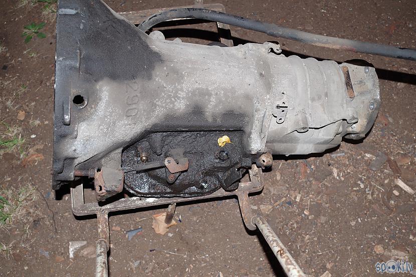 Vecie agregāti demontēti... Autors: JānisKJK Jeep Grand Cherokee 4.0-ZJ Remots [Otrā Daļa]