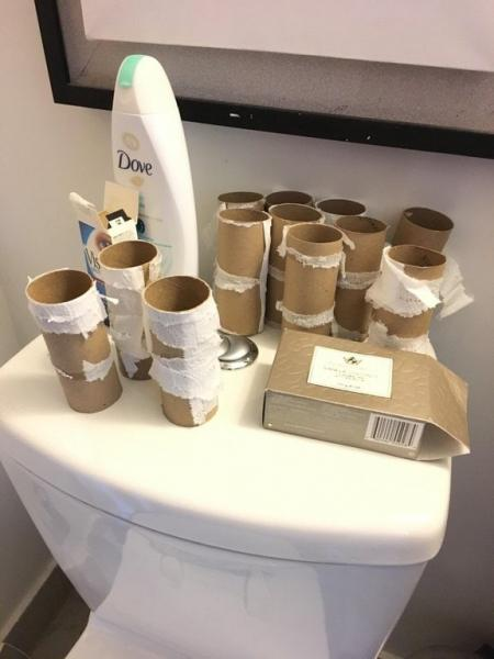 laquoVienreiz kad mana tualete... Autors: matilde 17 pierādījumi tam, ka dzīvokļa biedrs - tā ir loterija, kurā var arī neveikties