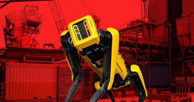 Pirms tam kā robots tiks... Autors: spoks0 Boston Dynamics vs. Black Mirror: Metalhead. Sargājiet no bērniem! ;)