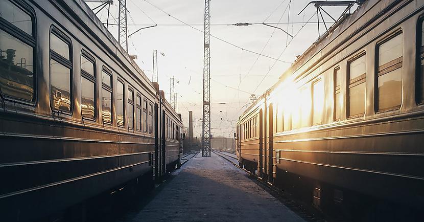 Kravas vilciens kura sastāvā... Autors: matilde Latviju plāno šķērsot kilometru garš kravas vilciens no Ķīnas
