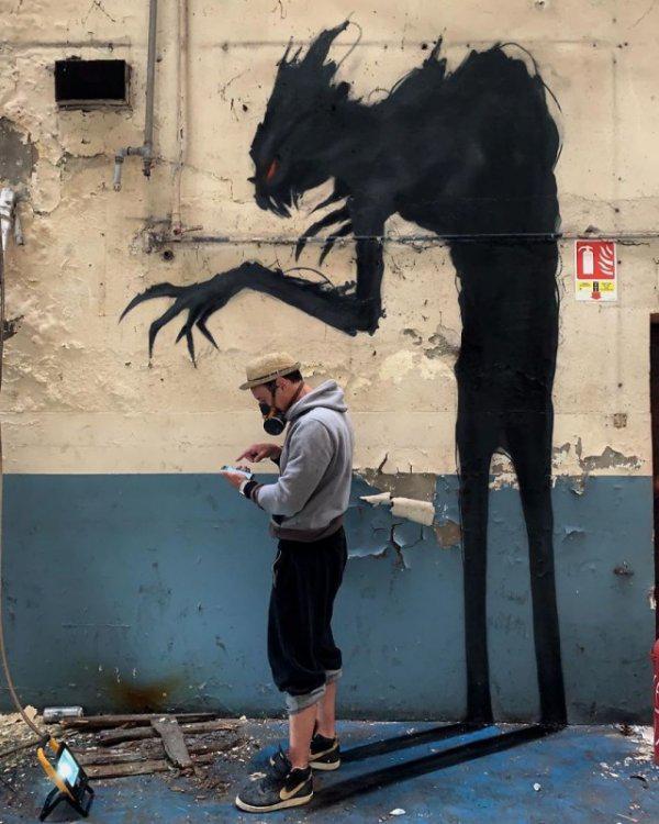 Autors: Fosilija Mākslinieks rada neticami reālu 3d grafiti, skats sanāk elpu aizraujošs