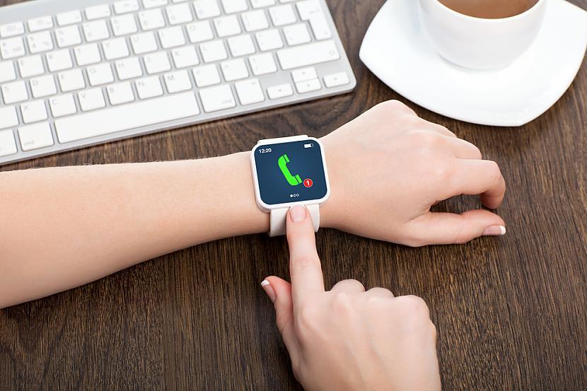 Dažādi viedo pulksteņu modeļi... Autors: EV1TA Viedpulkstenis: 21. gadsimta stilīgākais aksesuārs